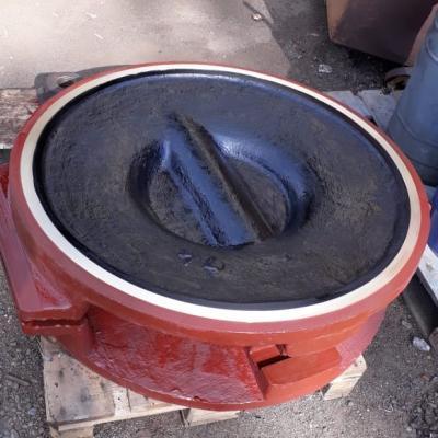 Отремонтированный чугунный 1000 клин
